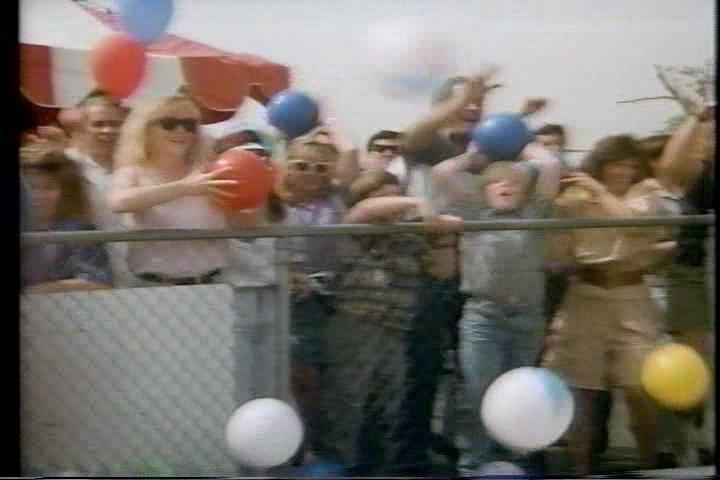 archie-traba-399-crowd-balls