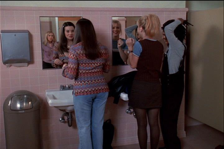 sabrina-001-38-besties-restroom