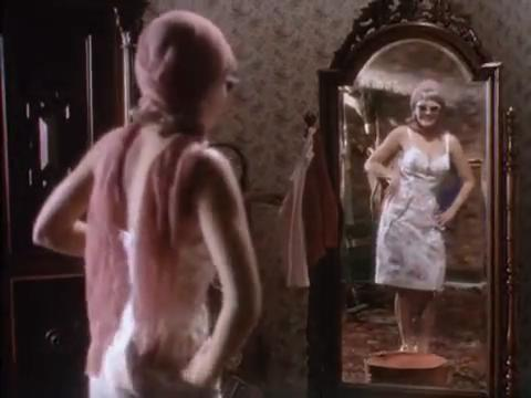 sabrina-movie-241-sabrina-mirror-3