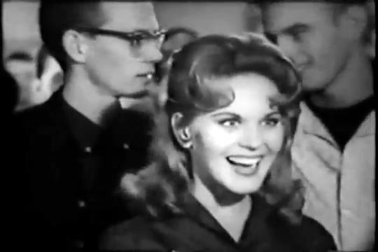 Archie-Pilot-1964-104-Buffie-happy