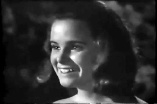 Archie-Pilot-1964-133-Mildred-happy