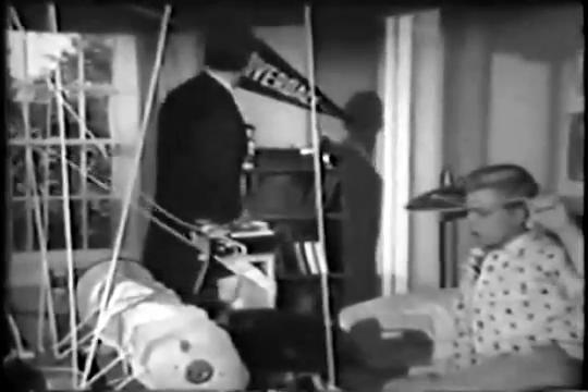 Archie-Pilot-1964-15-Archie-turns-off