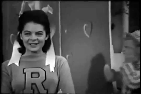 Archie-Pilot-1964-75-Veronica-pleased
