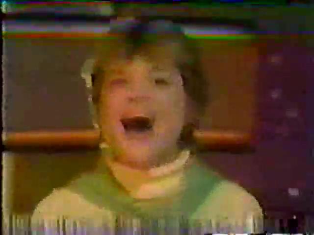 Archie-Variety-23-Midge-sings-2