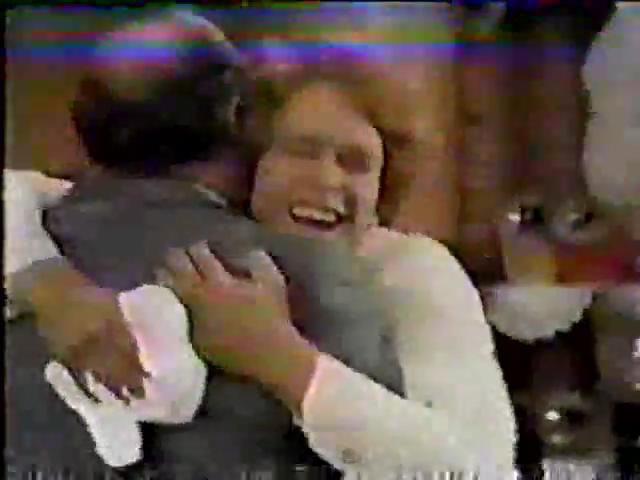 Archie-Variety-80-Archie-hugs-Fred