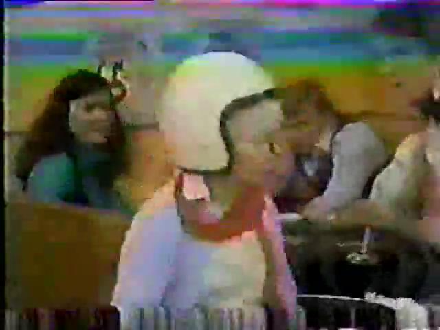 Archie-Variety-84-old-woman-helmet