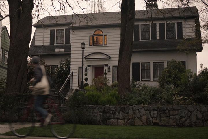 Riverdale-1-01-The-River's-Edge-003-newspaper-delivery