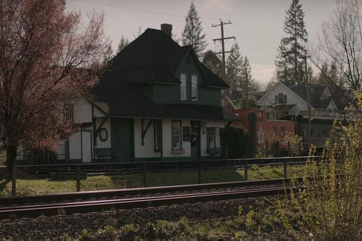 Riverdale-1-01-The-River's-Edge-005-railroad-tracks