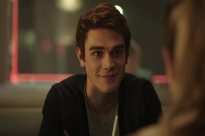 Riverdale-1-01-The-River's-Edge-061-Archie