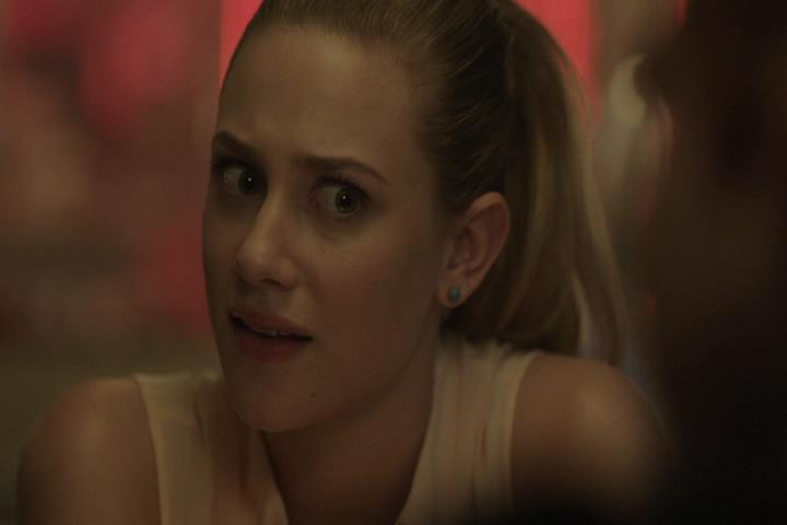 Riverdale-1-01-The-River's-Edge-067-Betty-WTF