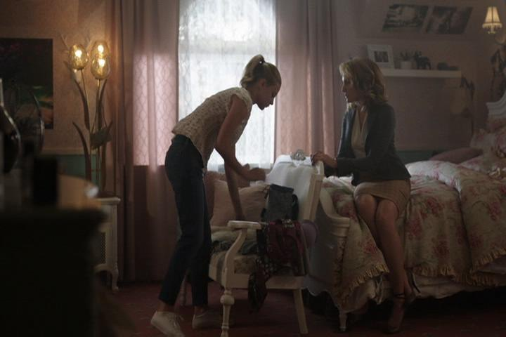 Riverdale-1-01-The-River's-Edge-075-Betty-Alice