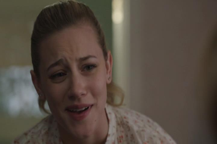 Riverdale-1-01-The-River's-Edge-076-Betty-WTF