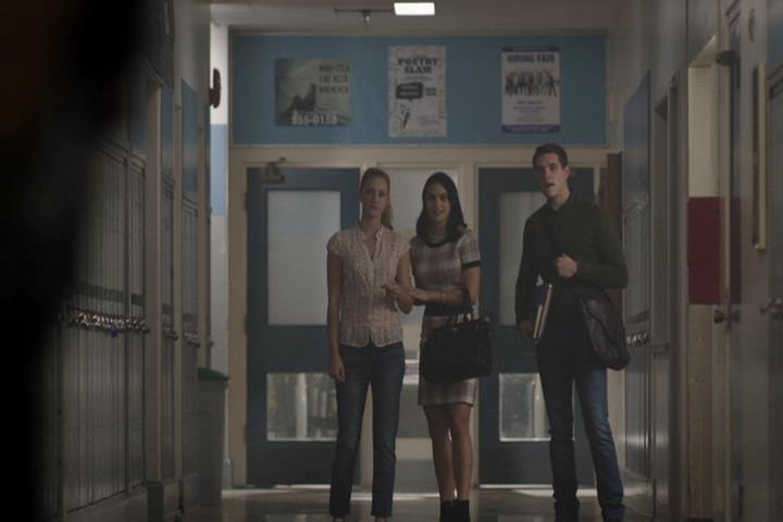 Riverdale-1-01-The-River's-Edge-096-Betty-Veronica-Kevin