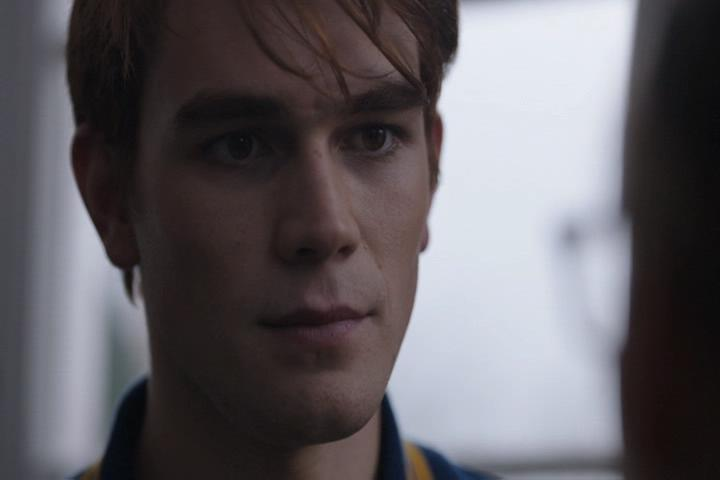 Riverdale-1-01-The-River's-Edge-113-Archie