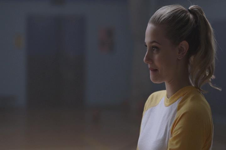 Riverdale-1-01-The-River's-Edge-158-Betty-impressed