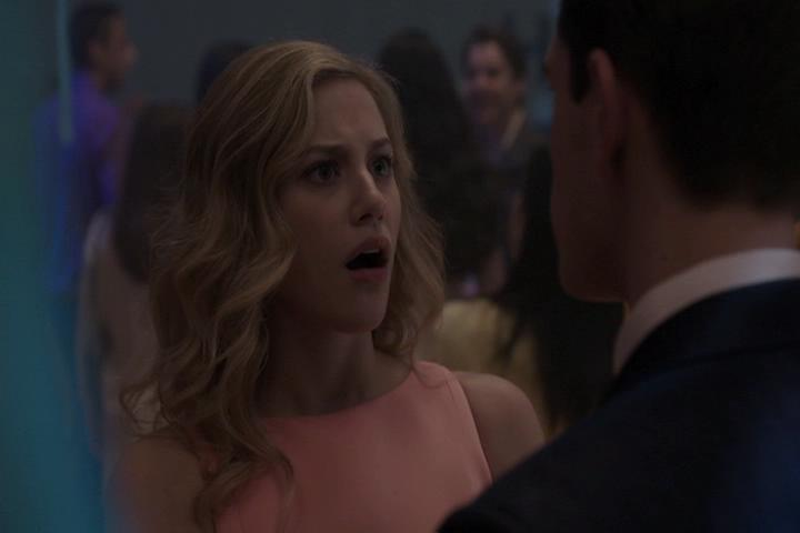 Riverdale-1-01-The-River's-Edge-202-Betty-WTF