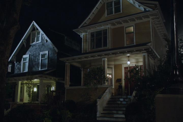 Riverdale-1-02-A-Touch-of-Evil-012-Andrews-house
