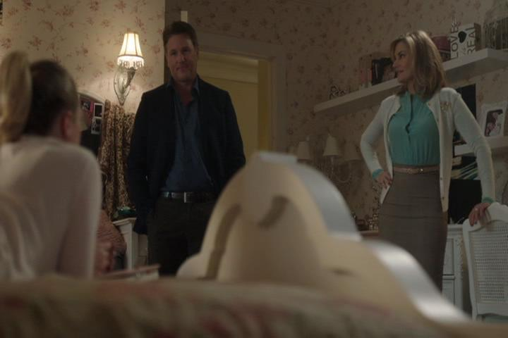Riverdale-1-02-A-Touch-of-Evil-036-Coopers