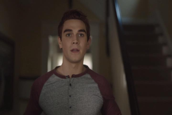 Riverdale-1-02-A-Touch-of-Evil-039-Archie