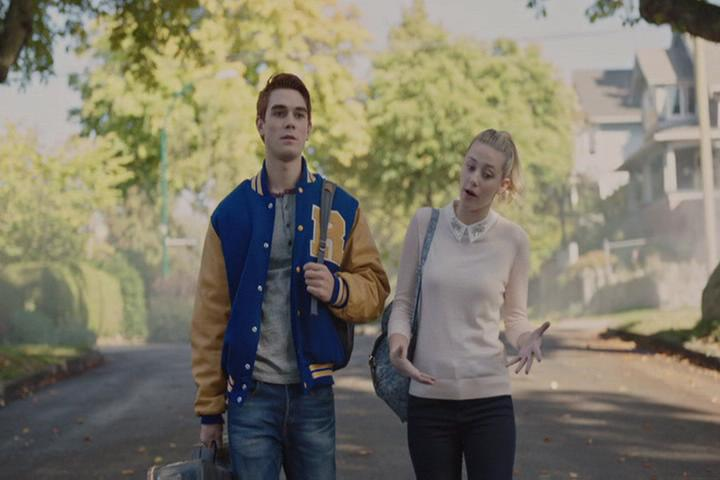 Riverdale-1-02-A-Touch-of-Evil-042-Archie-Betty-walk-2