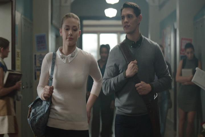 Riverdale-1-02-A-Touch-of-Evil-050-Betty-Kevin