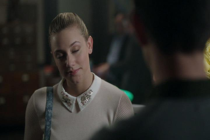 Riverdale-1-02-A-Touch-of-Evil-055-Betty-eyes-closed