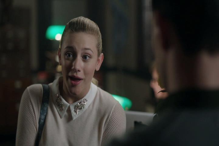 Riverdale-1-02-A-Touch-of-Evil-056-Betty-okay