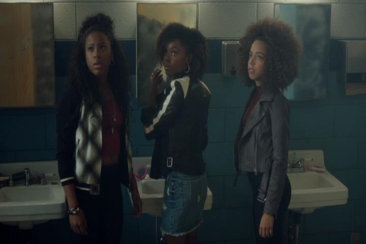Riverdale-1-02-A-Touch-of-Evil-060-Pussycats