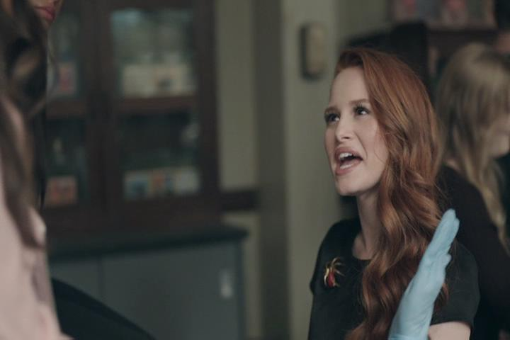 Riverdale-1-02-A-Touch-of-Evil-074-Cheryl-offended