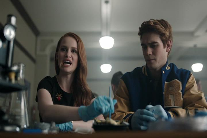 Riverdale-1-02-A-Touch-of-Evil-082-Cheryl-Archie