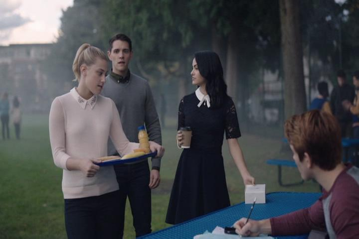 Riverdale-1-02-A-Touch-of-Evil-087-Betty-Kevin-Veronica-Archie