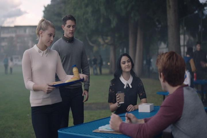 Riverdale-1-02-A-Touch-of-Evil-088-Betty-Kevin-Veronica-Archie-2