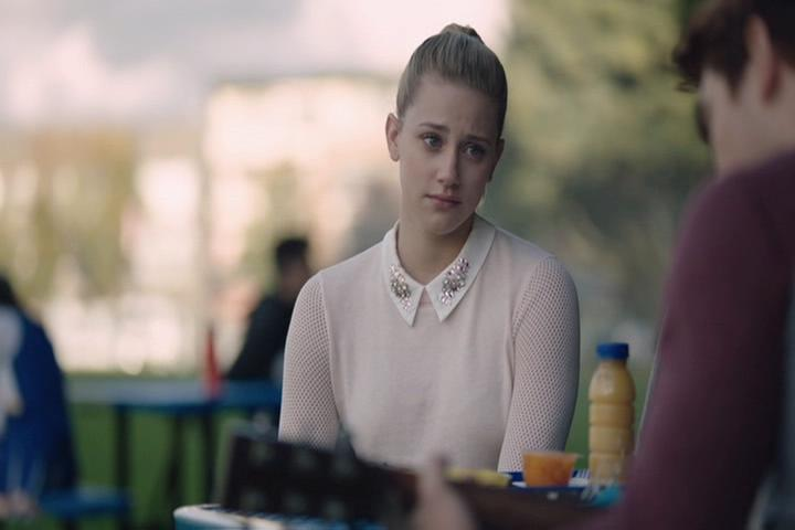Riverdale-1-02-A-Touch-of-Evil-091-Betty-sad