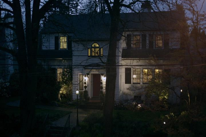Riverdale-1-02-A-Touch-of-Evil-128-Cooper-house