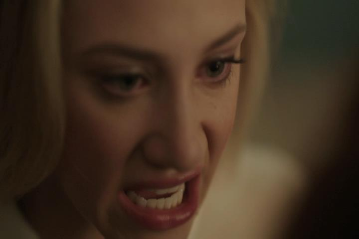 Riverdale-1-02-A-Touch-of-Evil-142-Betty-crazy-2