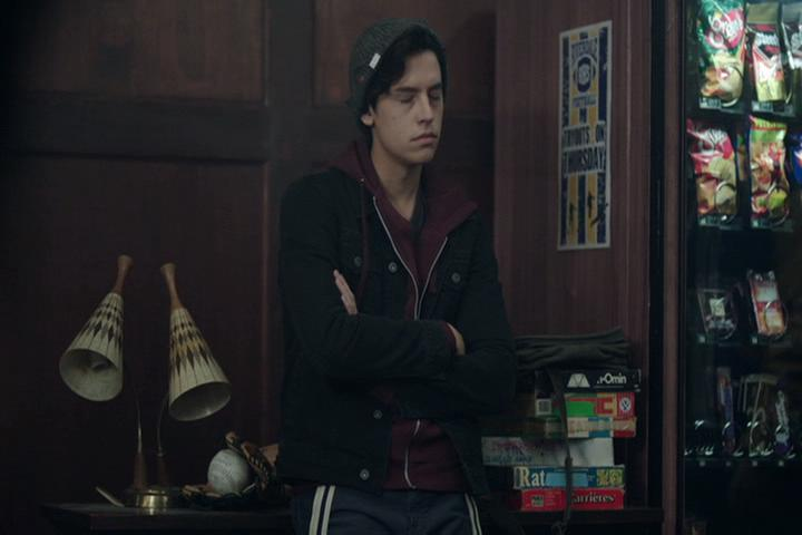 Riverdale-1-02-A-Touch-of-Evil-170-Jughead