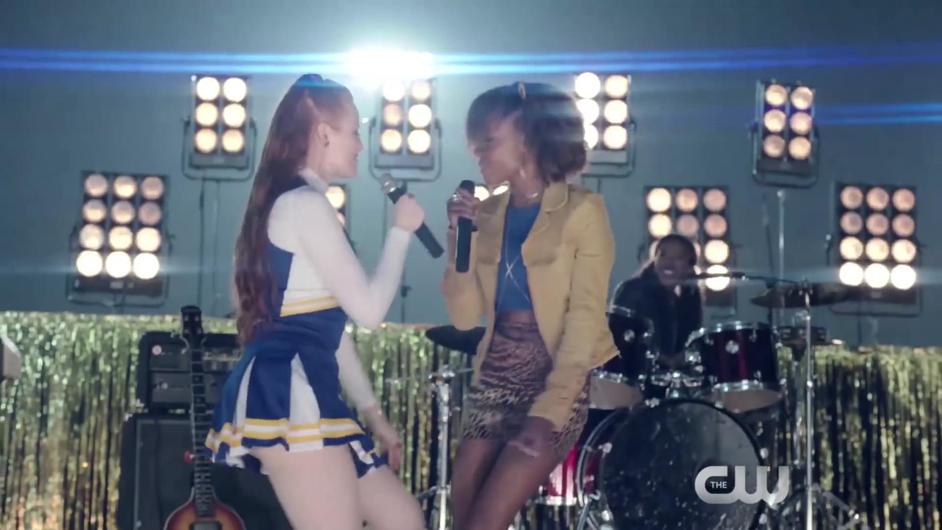 Riverdale-1-02-A-Touch-of-Evil-216-Cheryl-Josie-2
