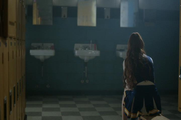 Riverdale-1-02-A-Touch-of-Evil-248-Cheryl-locker-room