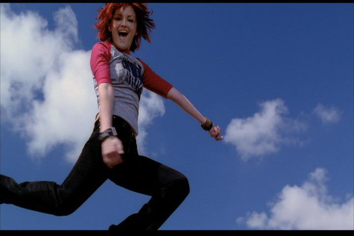 Josie-film-045-Josie-jumps