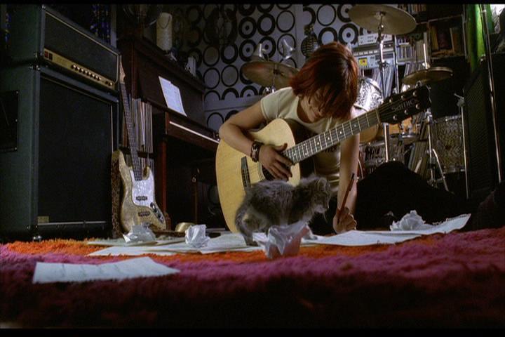 Josie-film-064-Josie-guitar-cat