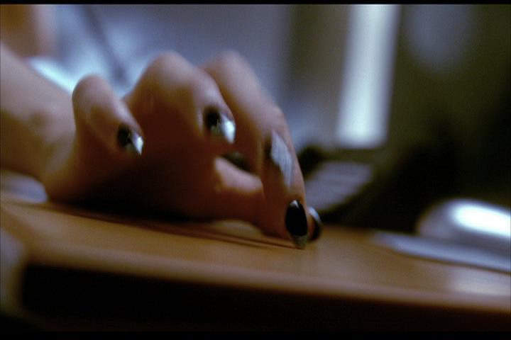 Josie-film-172-Fiona-hand