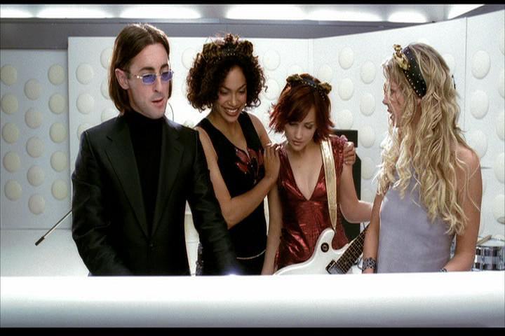 Josie-film-234-Wyatt-Pussycats-mixer-2