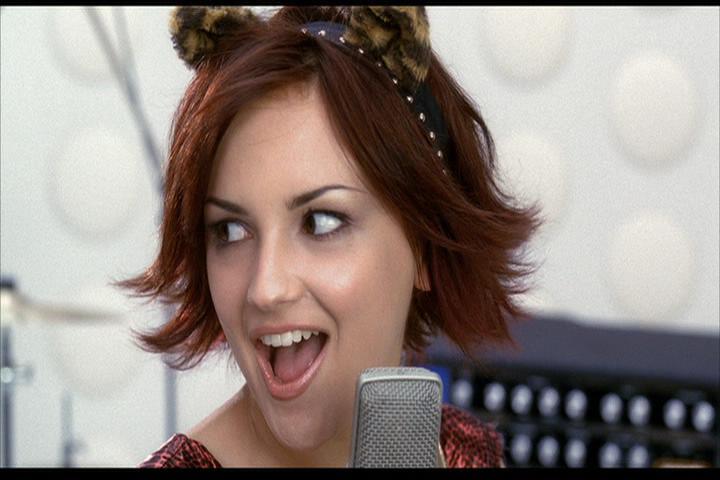 Josie-film-249-Josie-sings-3
