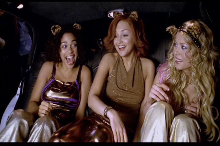 Josie-film-280-Pussycats-limo