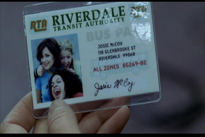 Josie-film-442-Josie-bus-pass