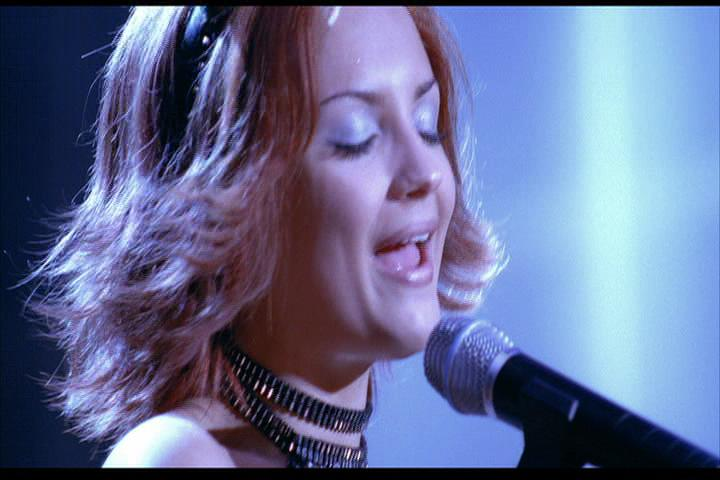 Josie-film-556-Josie-sings-2