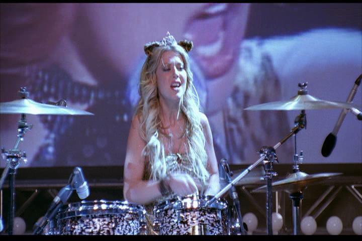 Josie-film-557-Melody-drums